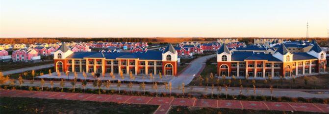 生态环保的优质居住区,与月牙湖中国北方民族园遥相呼应,成为绥滨旅游